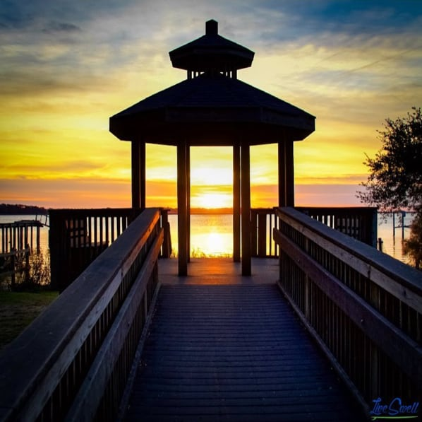 Live Swell sunset gazebo